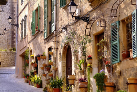 Gasse und Hausfassade, Valldemossa, Mallorca, Spanien, Europa of artist S.N.A.P Fotodesign (F1 Online), Road, City, House, Motif, Noone, Plant, Photo, Spain