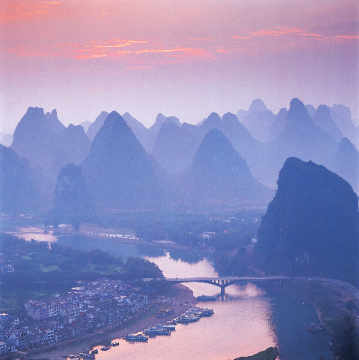 Guilin, Lijiang River, Yangshuo Fluss of artist Panorama Media (F1 Online), Sky, Town, Dawn, Dirt, Petty, Spiky, River, Waste