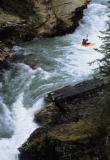 All Canada Photos (F1 Online) - Johnston-Fluss, Lauf weg, Johnston Canyon, Whitewater-Kajaks, Wasserzusammenbrüche