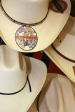 Beate Münter (F1 Online) - Cowboy hats in a gift shop, Clovis, New Mexico, USA, close-up