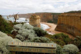 S. Tauqueur (F1 Online) - Warning sign in Port Campbell National Park, Australia, elevated view