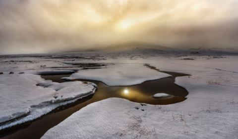 Golden Iceland of artist Javier de la Torre, Sun, Ice, Gold, Cold, Snow, Empty, Water, Light