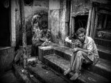 Joxe Inazio Kuesta Garmendia - Three men in the streets of Kolkata (India)