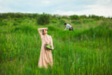 Volodymyr Melnyk - The healthy rural life. The woman in the green field
